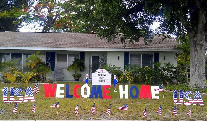 Patriotic flamingos and more for Welcome home troops decorations